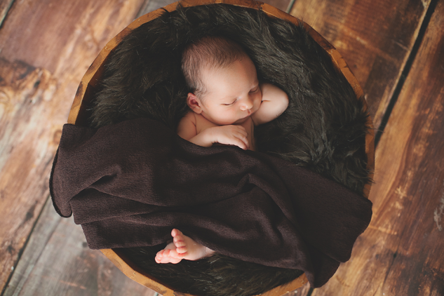 Evan Byzyka Newborn-7